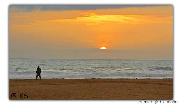travelogue of Goa starts with sunset at candolim beach